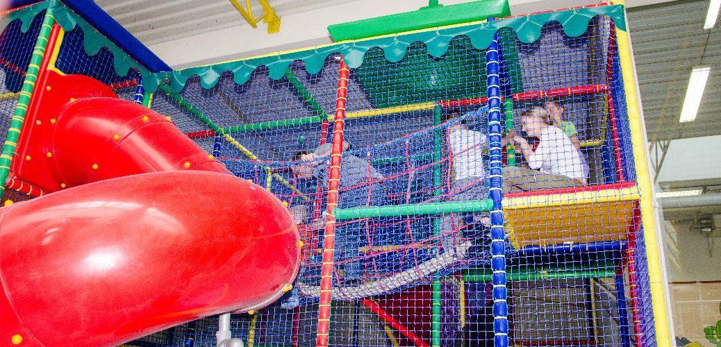 Dem Regen entfliehen – im Indoorspielplatz miniMax